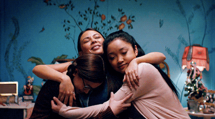 To All the Boys I've Loved Before: Margot, Lara jean and Kitty hugging
