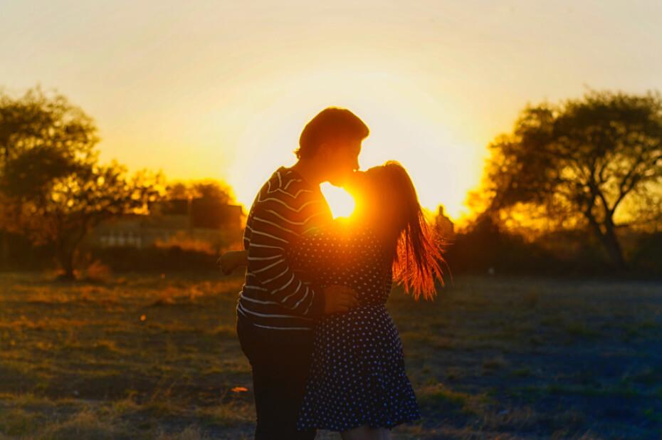 fall-love-songs-unsplash-091418