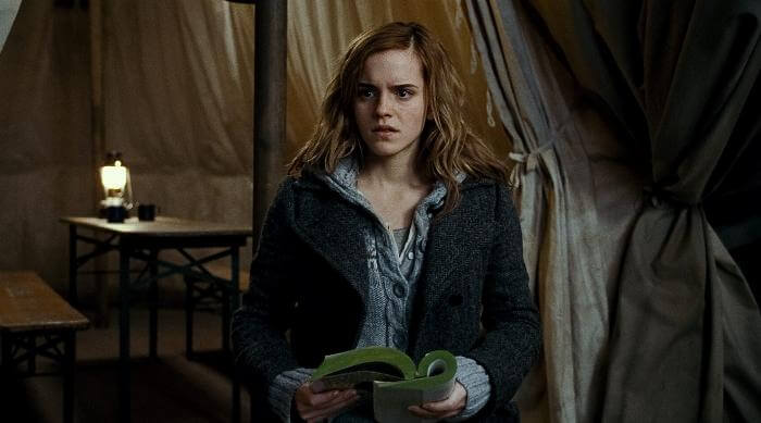 Harry Potter and the Deathly Hallows: Part I hermione reading in tent