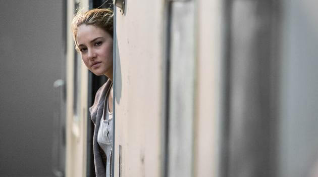 Divergent: Tris in Abnegation faction (before transferring to Dauntless)