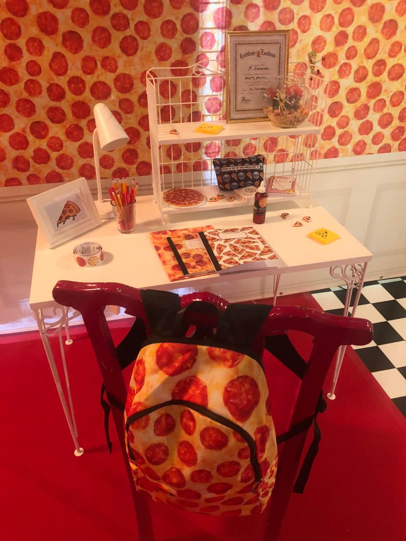 pizza-experience-desk-100118