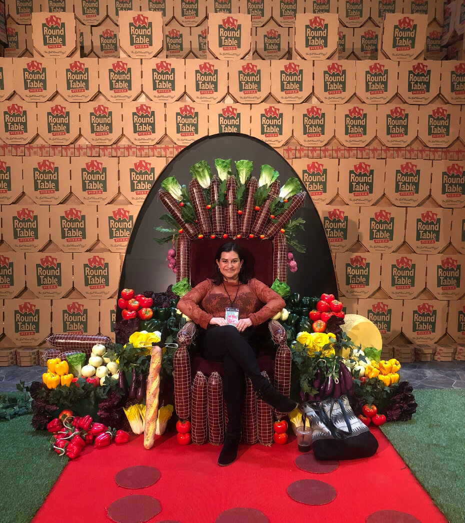 pizza-experience-throne-100118-1