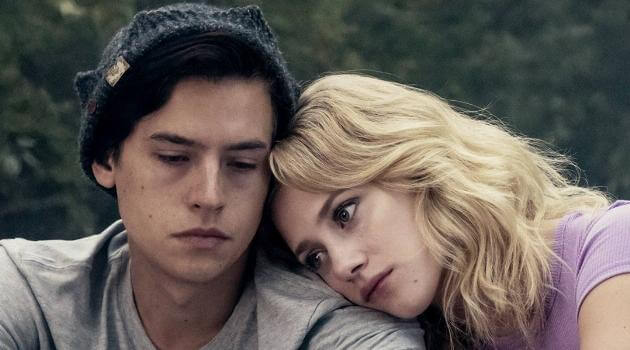 Cole Sprouse and Lili Reinhart in Riverdale
