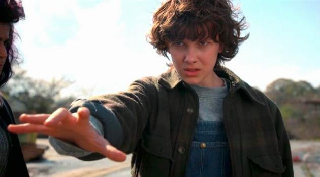 stranger-things-eleven-moving-train-season-2-articleH-101218
