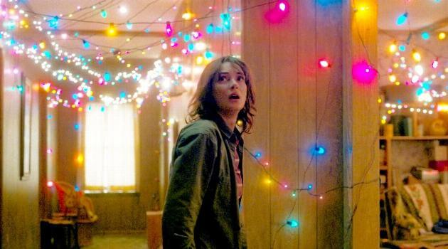 stranger-things-joyce-byers-christmas-lights-articleH-101718