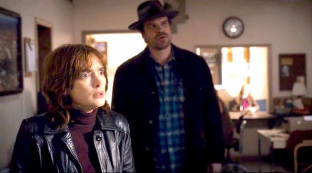 stranger-things-joyce-byers-jim-hopper-office-articleH-102218