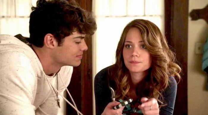 The Fosters: Jesus and Emma chat