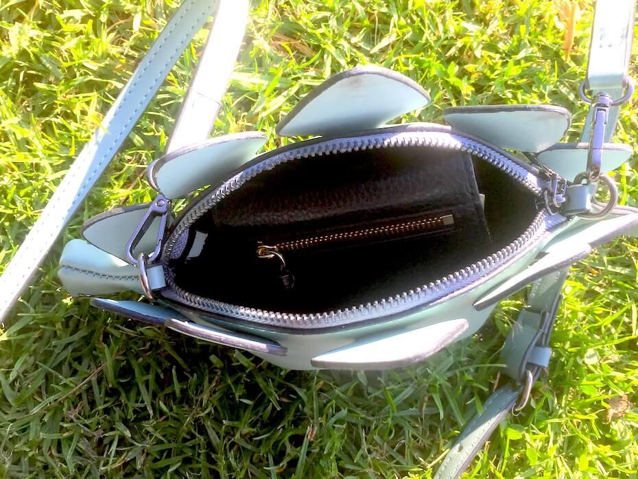 dinosaur-handbag-interior-112818