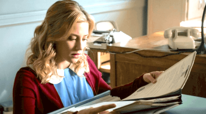 Riverdale: Betty looking at her medical files