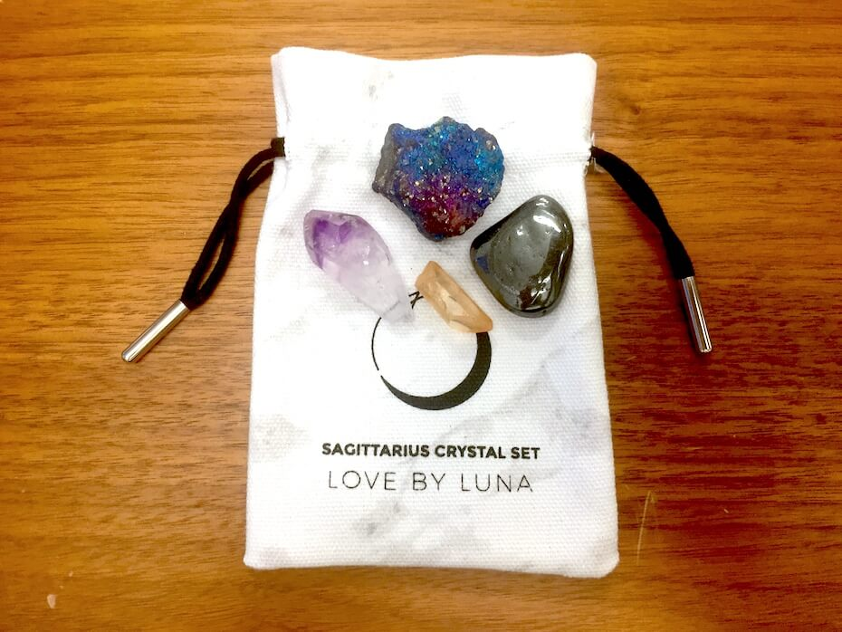 love-by-luna-crystal-set-121418