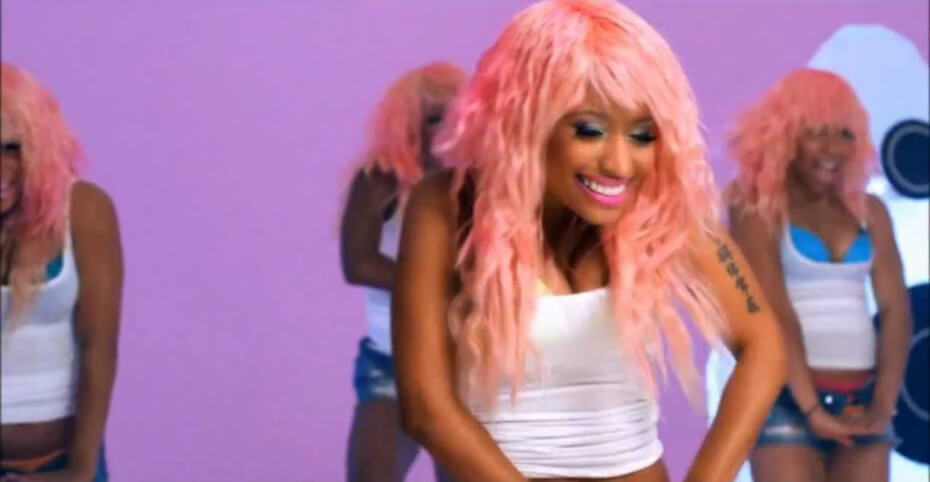nicki-minaj-super-bass-video-hip-hop-love-songs-120718-1
