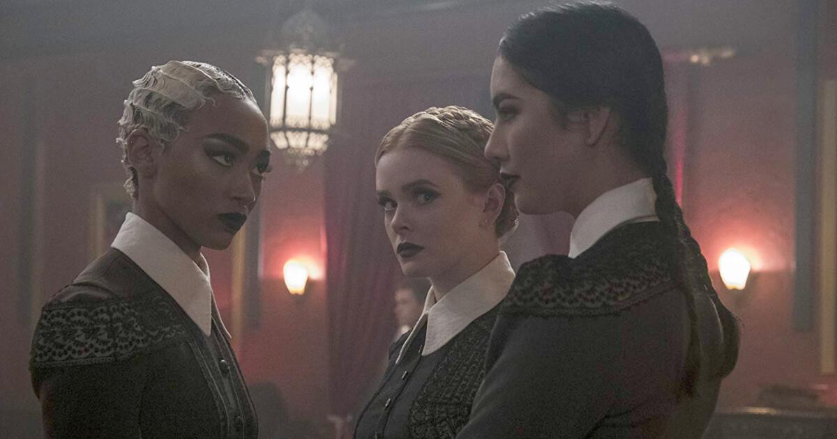 Weird Sisters Sabrina Netflix 2