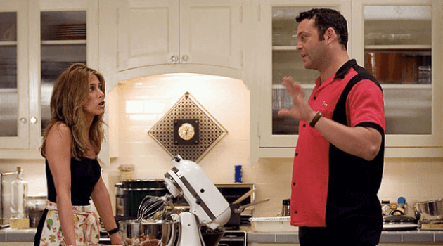 the breakup: brooke and gary in the kitchen
