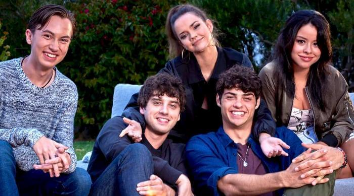 The Fosters: Siblings around fire