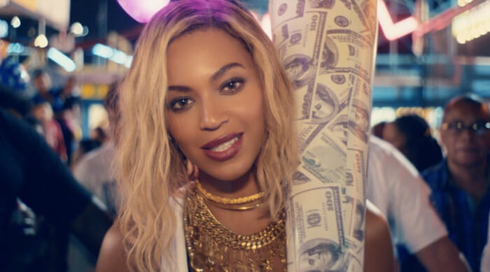 Beyoncé in her music video for 'XO'