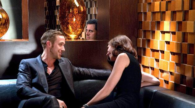 Crazy, Stupid, Love: Steve Carrell spying on Ryan Gosling's date