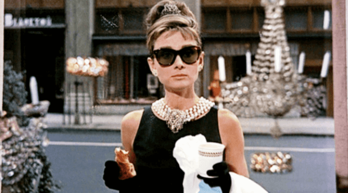 breakfast at tiffany's - holly golightly eating breakfast