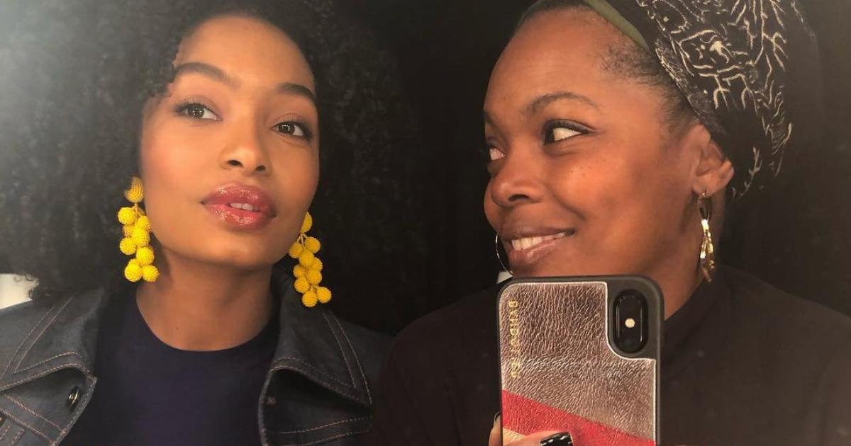 Creative Instagram Captions for Every Mirror Selfie