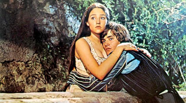 Romeo and Juliet 1968 - embrace on the balcony