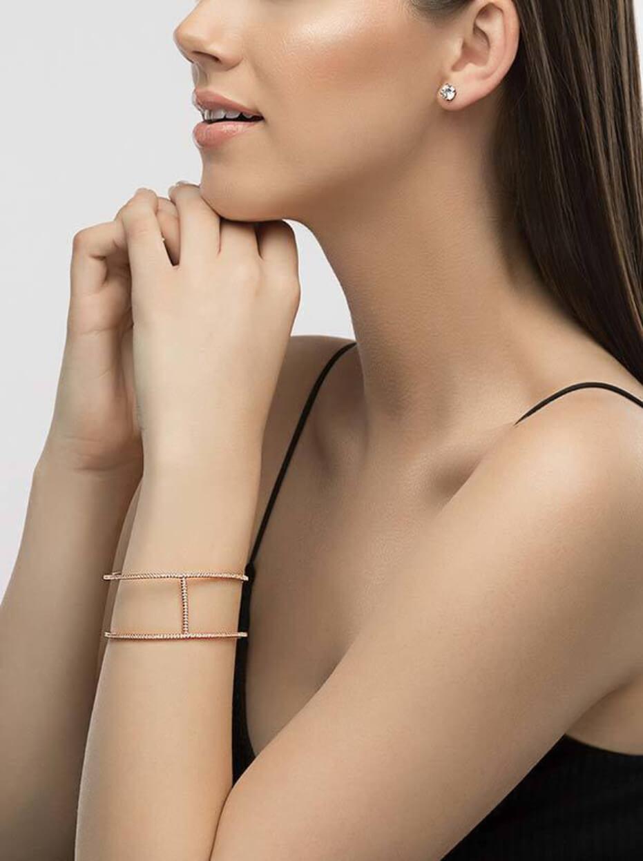 zaxie-ritzy-business-cuff-bracelet_model_rosegold-021219-1
