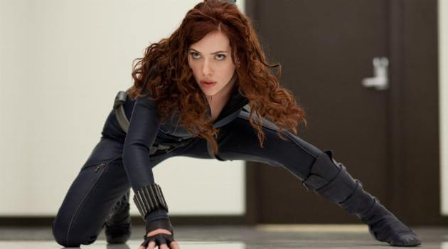 Iron man 2 - black widow in crouch position