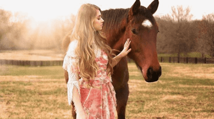 Tegan Marie and horse