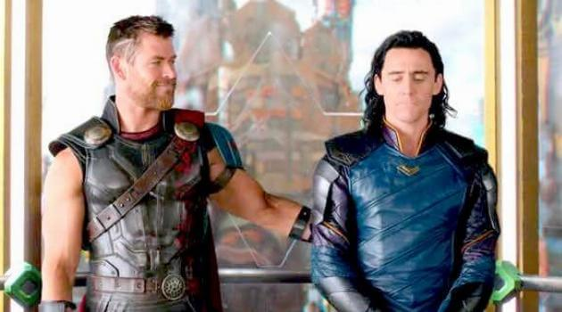 Thor: Ragnarok: Thor pats Loki's back in an elevator