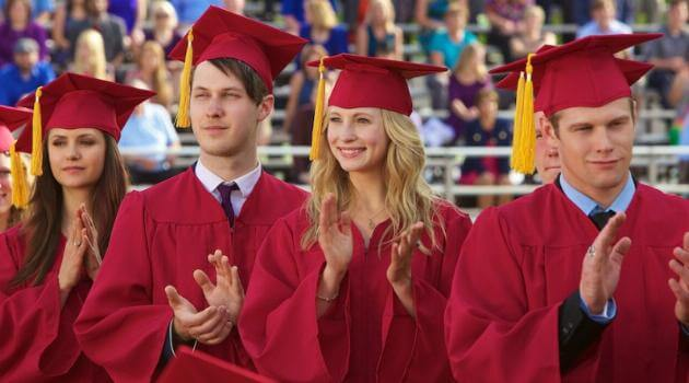 The Vampire Diaries - Caroline, Matt and Elena graduating