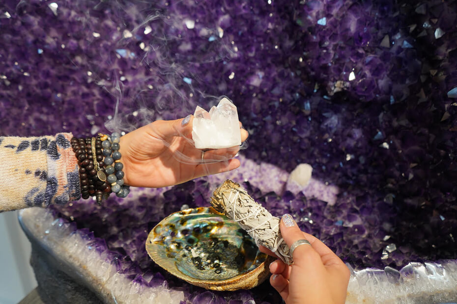intentions-smudge-crystal-061819-1