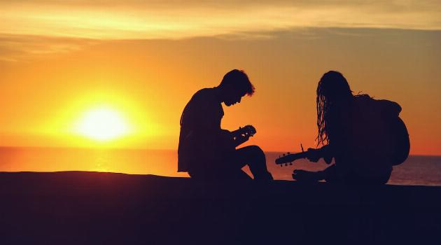 unsplash-mike-giles-boy-and-girl-playing-guitars-in-sunset-articleH-070919
