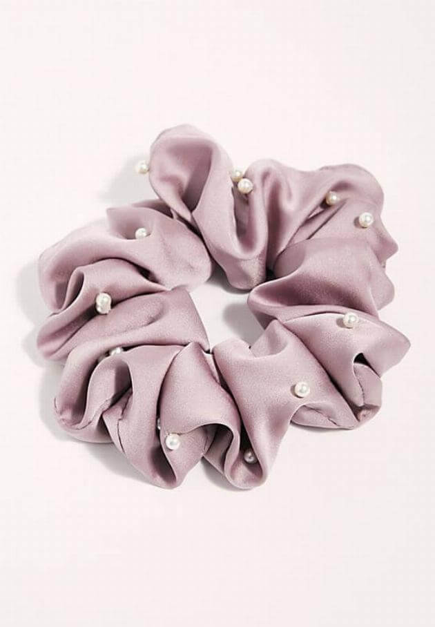 free-people-oversize-pearl-scrunchie-080819-articleV-080719