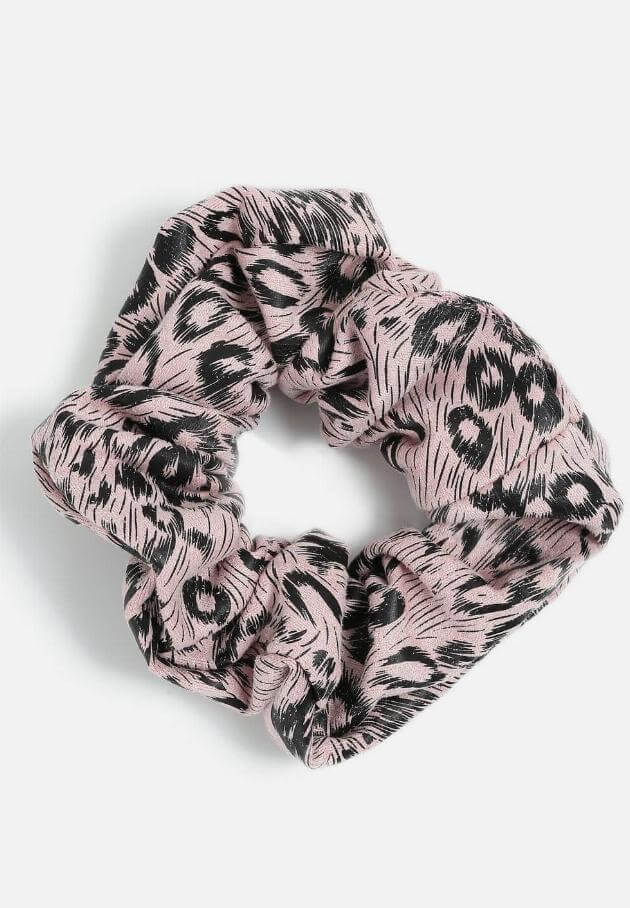 topshop-pastel-animal-print-scrunchie-080819-articleV-080719