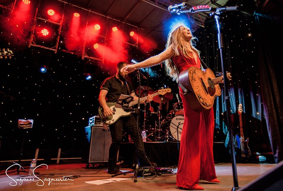 tenille-townes-guitar-performance-image