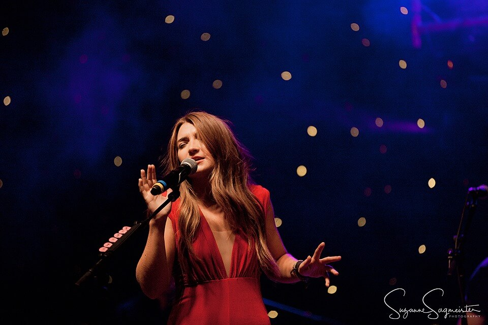 tenille-townes-singing-photo-092019