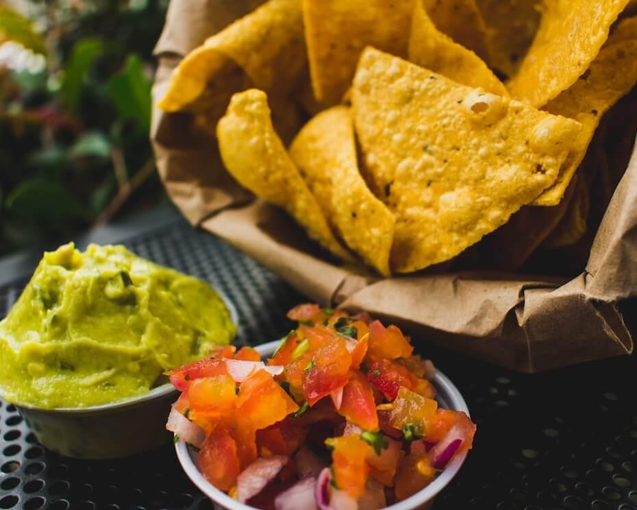 unsplash-juan-manuel-giraldo-grisales-chips-and-salsa-090319