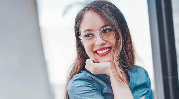 Instagram: Pixel Eyewear, girl smiling in glasses
