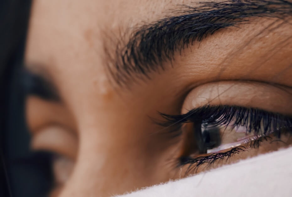 unsplash-luis-galvez-woman-with-teary-eyes-102819