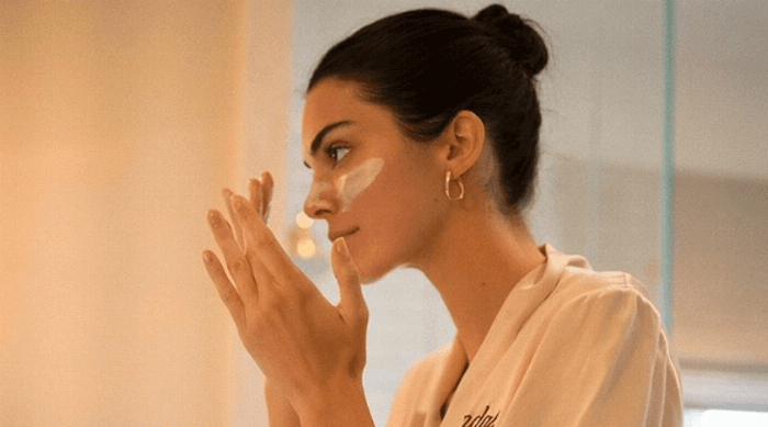 Kendall Jenner washing her face
