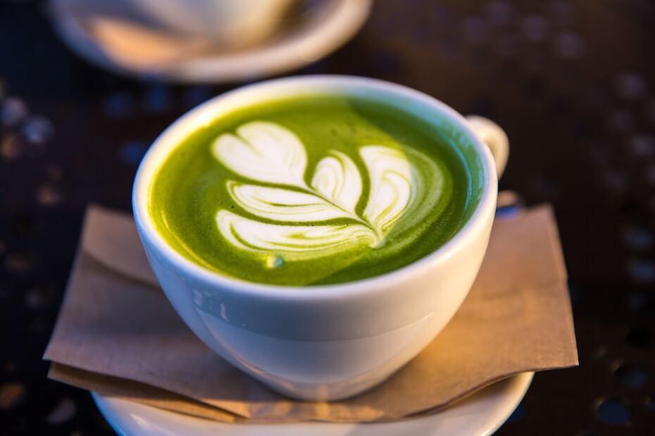 unsplash-jason-leung-matcha-green-tea-with-design-110719