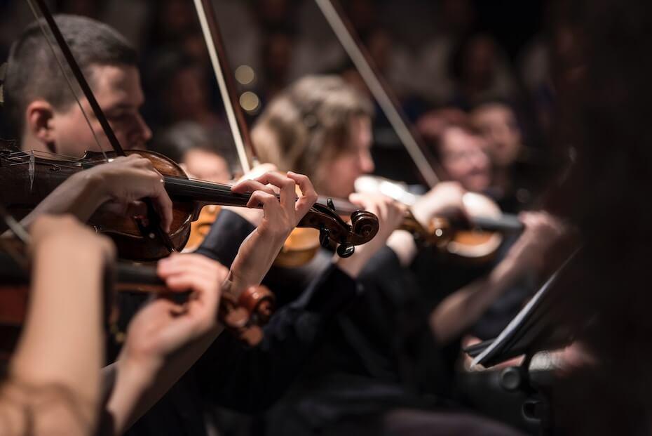 unsplash-larisa-birta-concert-recital-violins-122319