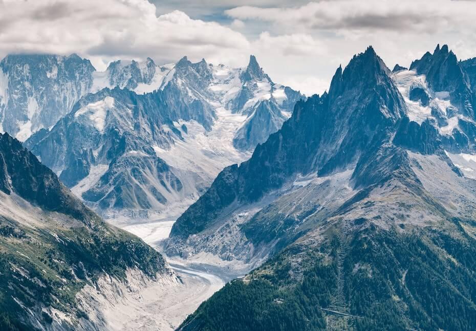 unsplash-simon-fitall-beautiful-mountaintops-120219