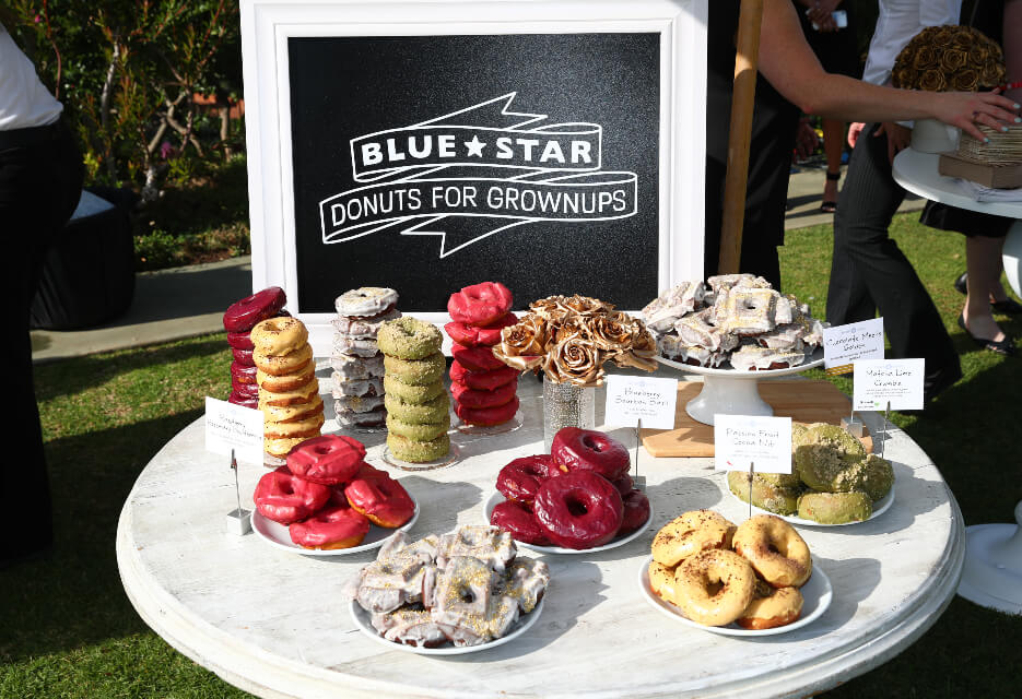 gold-meets-golden-blue-star-donuts-010820-1
