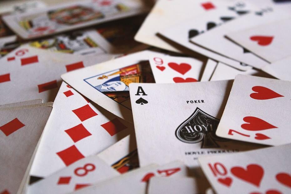 unsplash-jack-hamilton-playing-cards-on-table-010620