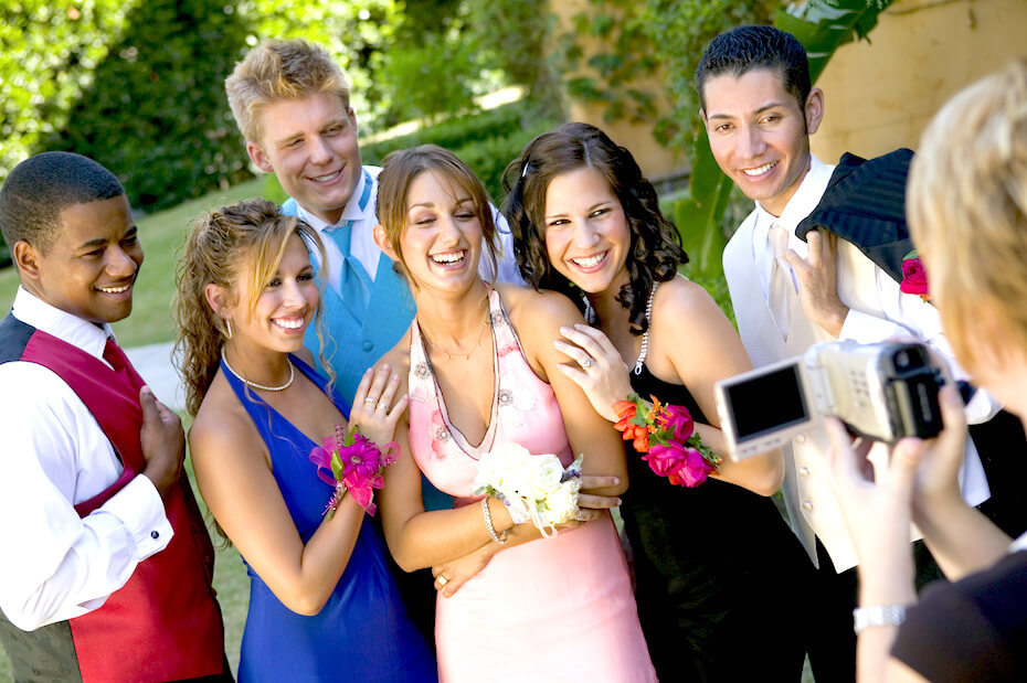 shutterstock-group-of-friends-candid-photo-prom-022820
