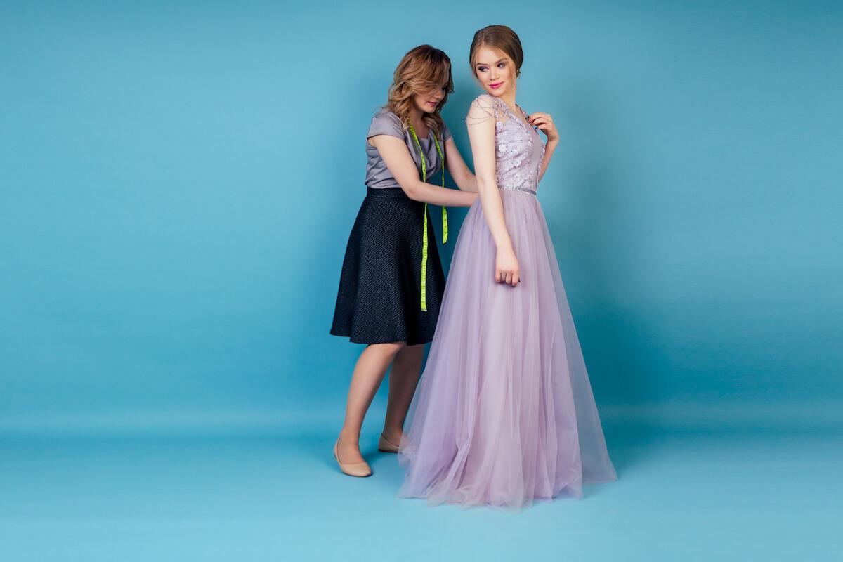 shutterstock-tailor-fitting-girls-prom-dress