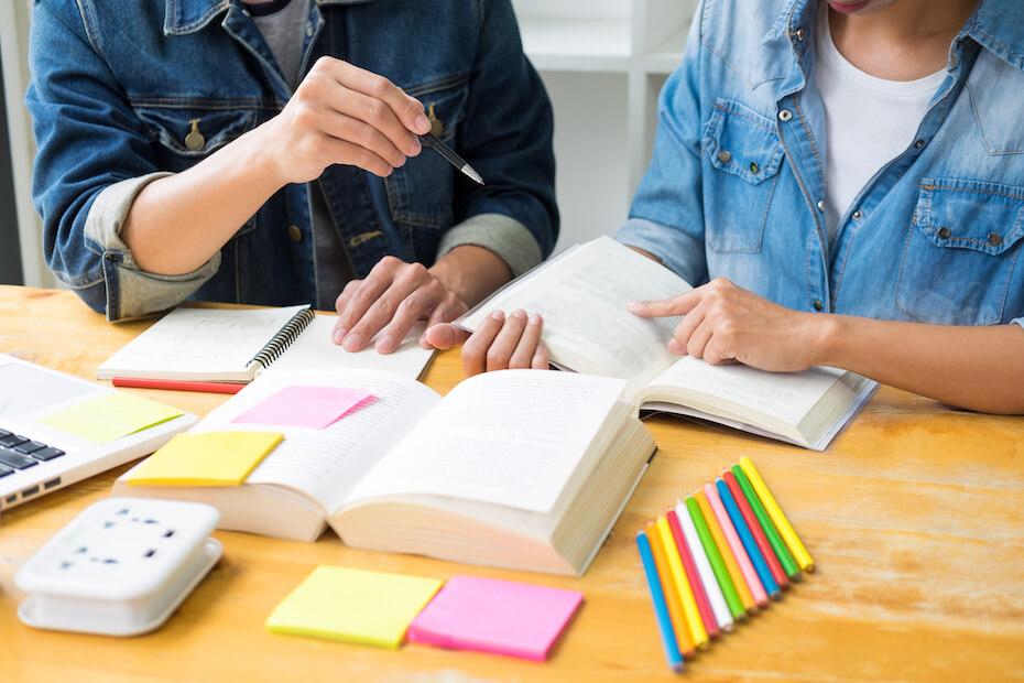 shutterstock-two-people-brainstorm-collab-homework-020620