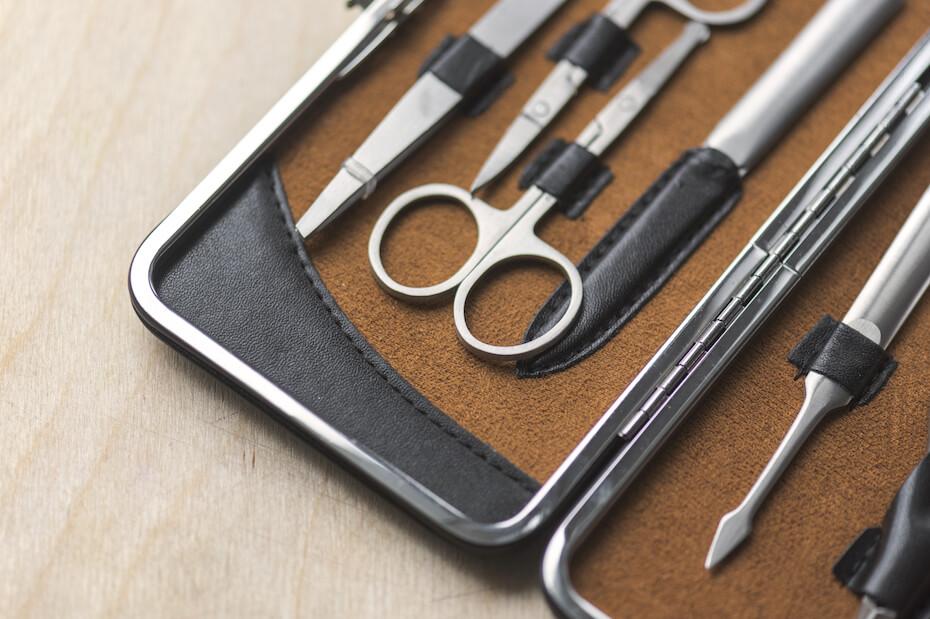 shutterstock-mini-pocket-manicure-set-032720