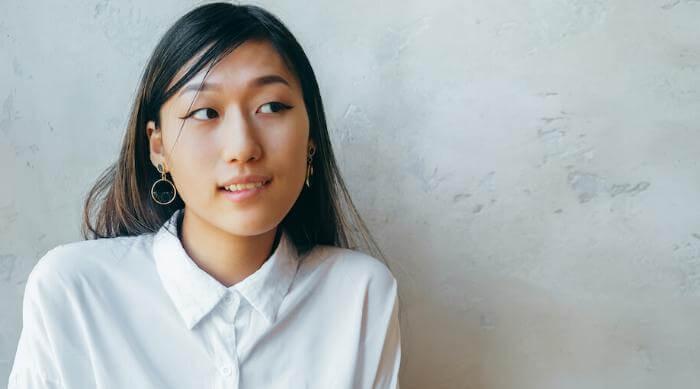 Shutterstock: Girl look doubtful and unsure