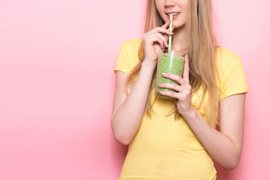 shutterstock-woman-sipping-green-smoothie-031320