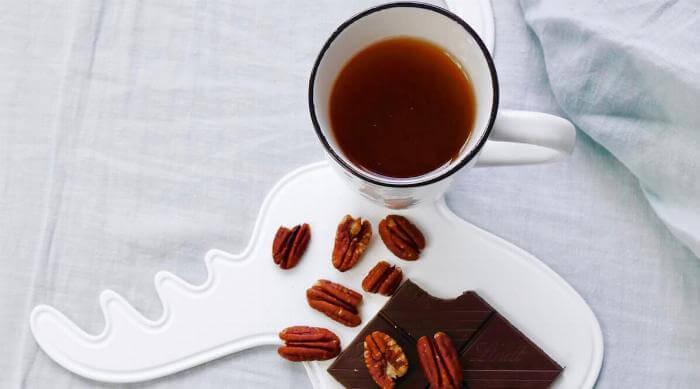 Chamomile Tea with Chocolate